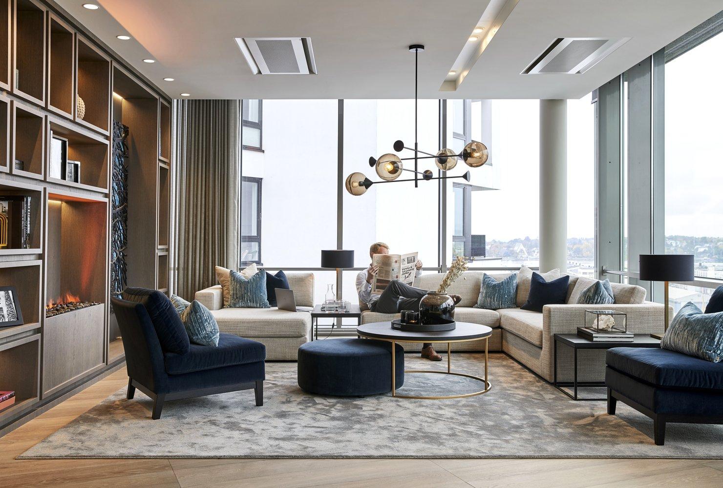 Bilder fra Pangea Property Partners, med møbler kjøpt fra Slettvoll.